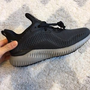 NEW IN BOX Adidas Alphabounce women's 6